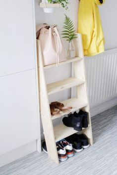 Check out how to build this awesome DIY shoe storage ladder @istandarddesign
