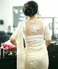 Bridal saree white blouse designs Ideas for 2019 Saree Blouse Neck Designs, Saree Blouse Patterns, Designer Blouse Patterns, Designer Saree Blouses, Wedding Saree Blouse Designs, White Saree Blouse, Indian Blouse, Indian Sarees, White Sari