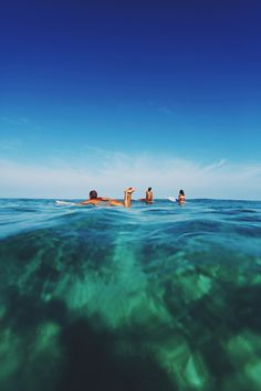 surfing party with Friends!surfandsnowmag for the latest in surf and snow news, lifestyle, and music! Summer Surf, Summer Dream, Summer Vibes, Beach Bum, Ocean Beach, Thats The Way, Ocean Life, Plein Air, Island Life