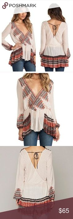 ❤️FP Into the Mystic tunic top Free People boho chic tunic. Size small.  Gently used but great condition. No flaws. Semi-sheer  I would trade for an xs Free People Tops