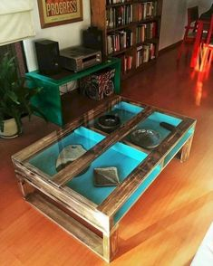 Amazing 46 Awesome DIY Pallet Furniture Ideas http://decoraiso.com/index.php/2018/05/16/46-awesome-diy-pallet-furniture-ideas/ Palet Table, Pallet Table Top, Pallet Chair, Pallet Ideas, Pallet Designs, Wooden Pallet Projects, Pallet Wood, Pallet Crafts, Wooden Pallets