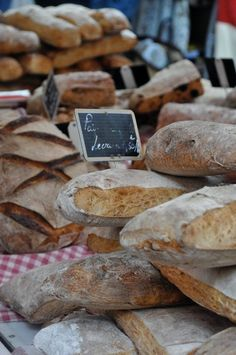 info on how to score bread