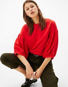 28b14a771d9e New - CLOTHES - WOMAN - Bershka Ukraine Maniche Lunghe