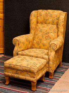 Colorful easy chair / Värikäs lepotuoli