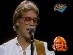 "AMERICA / SISTER GOLDEN HAIR (1975) -- Check out the ""Super Sensational 70s!! (part 2)"" YouTube Playlist --> http://www.youtube.com/playlist?list=PLObUjr5lC761D9Fi9yH-NtEsx9RYxuBnR #1970s #70s"