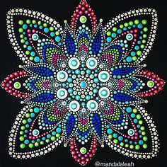 Silvia Leah 🐾 (@mandalaleah) • Instagram-foto's en -video's Mandala Drawing, Mandala Painting, Dot Art Painting, Stone Painting, Mandala Pattern, Mandala Design, Mandala Canvas, Mandala Rocks, Stone Art