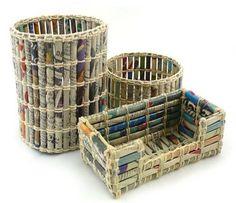Estos son rollitos de papel unidos con totora, o con hilo zizal, o lo que quieras..