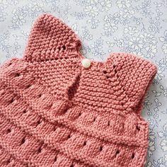 Dukkens Fin Kjole Og Rillejakke Grundet den store efterspørgsel der har v. Knitting For Kids, Baby Knitting, Knit Crochet, Crochet Hats, Baby Born, Doll Clothes, Dolls, Crafts, Blog