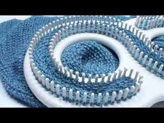 LOOM KNITTING STITCHES : The Farrow Rib Stitch - YouTube