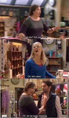loved this scene Miranda Tv Show, Miranda Bbc, British Humor, British Comedy, Comedy Tv, Comedy Show, Miranda Hart Quotes, Funny People, Humor