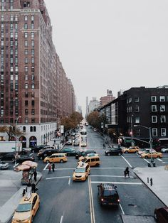 taxis, taxis and taxis. new york city. Oh The Places You'll Go, Places To Travel, Places To Visit, Nyc, Mykonos, New York City, A New York Minute, Cities, City Vibe