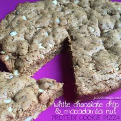 White Chocolate-Macadamia Nut Cookie Pizza
