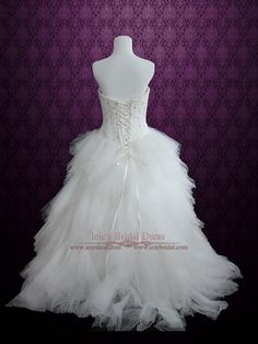 Strapless Princess Ball Gown Wedding Dress with Tulle Feather Ruffles | Ieie's Bridal Wedding Dress Boutique