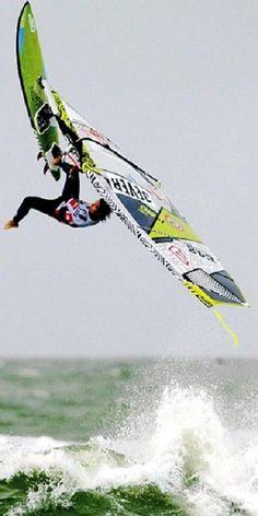 windsurfing... lo proximo q aprendere a hacer! ya dije!