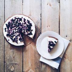 Almond, lemon & blueberry cake