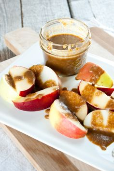 Paleo and Vegan Coconut Milk Caramel Sauce | simplerootswellness.com
