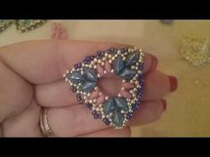 Tutorial orecchini Triade con superduo gemduo e rocailles Seed Bead Jewelry, Seed Bead Earrings, Beaded Earrings, Seed Beads, Wire Jewelry, Handmade Jewelry, Earring Crafts, Diy Jewelry Inspiration, Beaded Jewelry Patterns