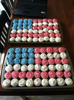 Memorial Day Cupcakes and/or of July 4th July Cupcakes, Patriotic Cupcakes, Patriotic Desserts, Love Cupcakes, Patriotic Party, Cupcake Bakery, Cupcake Cookies, Bake Sale Packaging, Memorial Day Foods