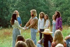 refresh ask&faq archive theme Welcome to fy hippies! This site is obviously about hippies. There are occasions where we post things era such as the artists of the and the most famous concert in hippie history- Woodstock! Mode Hippie, Hippie Vibes, 1970s Hippie, Vintage Hippie, Happy Hippie, Hippie Love, Hippie Chic, Hippy Style, Beatles