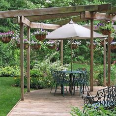 Even a simple design can make your backyard a soothing retreat for the warm weather. #hunkeprojects #hunkeconstruction #dreamspace #outdoors #deck #backyard