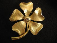 VINTAGE Sarah Coventry Brooch  Flower  Gold by ALEXLITTLETHINGS, $13.45