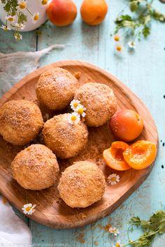 Knedle z morelami i rumem. Apricot dumplings #knedle #dumplings #morele #apricot