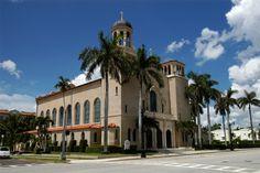 The ladies all wear pretty hats-St Edward Palm Beach