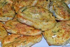 Patatesli rulo börek Dough Recipe, Baked Potato, Zucchini, Easy Meals, Food And Drink, Turkey, Homemade, Meat, Chicken