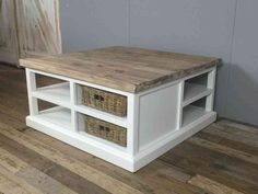 Landelijke witte vierkante salontafel, 95cm. DEC. VERWACHT.