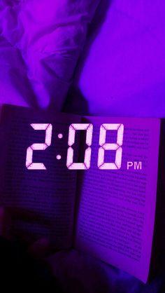 𝓛𝓲𝓷 - p u r p l e Violet Aesthetic, Dark Purple Aesthetic, Rainbow Aesthetic, Aesthetic Colors, Aesthetic Pictures, 80s Aesthetic, Neon Purple, Purple Baby, Purple Walls
