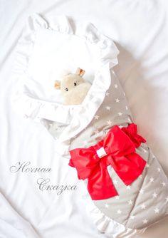 Для новорожденных, ручной работы. Ярмарка Мастеров - ручная работа. Купить Конверт на выписку серебристо-серый с белыми звездами и алым бантом. Handmade.