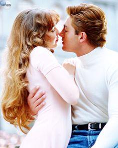 fernando colunga, thalia, maria la delbarrio, cute, romantic, couple, kiss, hug, telenovela