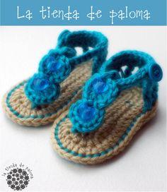 Crochet gladiator baby sandals-dia needs these! Crochet Baby Sandals, Baby Girl Crochet, Crochet Slippers, Crochet For Kids, Knit Crochet, Baby Patterns, Crochet Patterns, Handmade Baby, Baby Knitting
