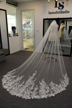 Country Wedding Dresses, Best Wedding Dresses, Bridal Dresses, Bridal Bouquets, Wedding Gowns, Bridesmaid Dresses, Bride Veil, Lace Bride, Wedding Lace