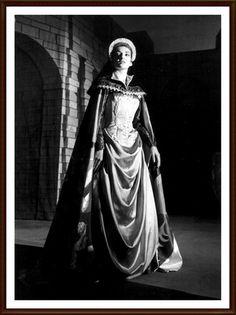 Maria Callas - 1958   19 maggio Milano Teatro alla Scala   Il Pirata Imogene   Altri interpreti: Franco Corelli (Gualtiero)  Ettore Bastianini (Ernesto) Plinio Clabassi (Goffredo)   Antonino Votto (Direttore)   Franco Enriquez (Regia)