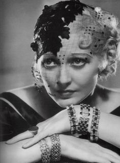 theladyingenue: capture of Thelma Todd ❤ (Art Deco) Old Hollywood Glamour, Hollywood Fashion, Golden Age Of Hollywood, Vintage Hollywood, Classic Hollywood, Hollywood Style, Vintage Love, Vintage Beauty, Vintage Ladies