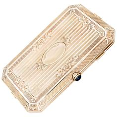 Carter and Gough Yellow Gold Ladies Compact | From a unique collection of vintage boxes and cases at https://www.1stdibs.com/jewelry/objets-dart-vertu/boxes-cases/