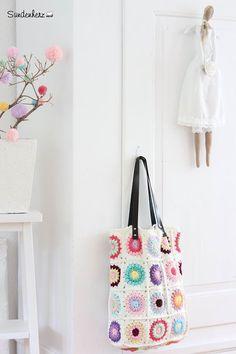 Crochet Granny Bag by Bleu et Rosé