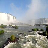 Um dos mais belos espetáculos da natureza na Terra é, com muito orgulho, parte do Brasil. Todo o crédito pertence ao rio Iguaçu, que permeia a fronteira entre Brasil e Ar...
