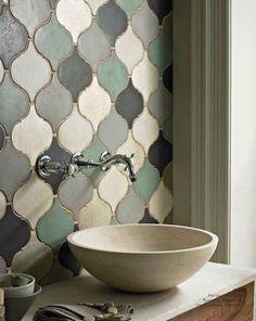 Frente lavabo de cerámica estilo marroquí en mate + lavabo tipo bowl • Bathroom Trend - Matte Tiles