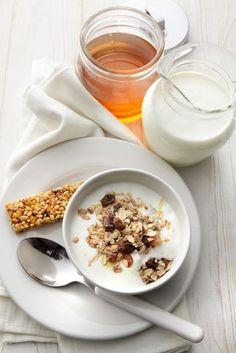 Breakfast: Muesli, Yogurt, Honey and Granola Bar royalty-free stock photo Muesli, Granola Bars, Bon Appetit, Panna Cotta, Healthy Recipes, Healthy Food, Honey, Breakfast, Ethnic Recipes