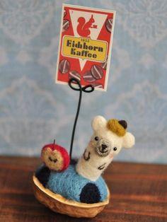 Felted Wool, Wool Felt, Walnut Shell Crafts, Textile Art, Needle Felting, Snoopy, Textiles, Diy Crafts, Dolls