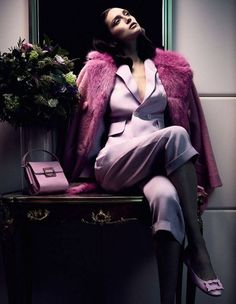 Co-ordinating shoes and bags: Anna Schilling by Damian Foxe for How To Spend It Magazine May 2015 Suit Fashion, Pink Fashion, Womens Fashion, Roger Vivier, Mode Rose, Shades Of Purple, Magenta, Vintage Beauty, Fashion Pictures