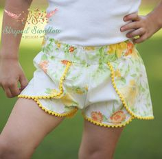Striped Swallow Designs Girls Coachella Shorts Sewing Pattern - A soon to be summer staple for your little one, the Coachella Shorts are low-rise and feature an adorable trim detail -- there are so many different trim options. Short Bebe, Short Niña, Sewing For Kids, Baby Sewing, Pdf Sewing Patterns, Clothing Patterns, Sewing Clothes, Diy Clothes, Coachella
