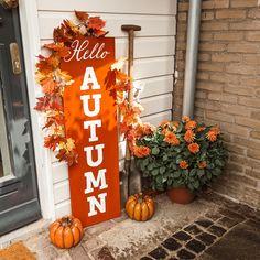 Fall Diy, Autumn Diys, Hello Autumn, Ladder Decor, Fall Decor, Home Decor, Ideas, Decoration Home, Room Decor