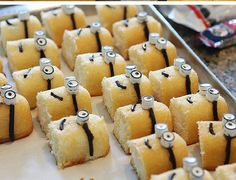 Despicable Me Minion Cupcakes Twinkie Edition