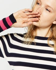 Image 5 of CROPPED STRIPED SWEATER from Zara