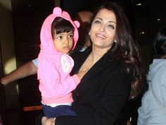 Traffic Snarls Is Aaradhya's Learning Time, I Utilize It by Teaching Her Little Poems: Aishwarya | PINKVILLA