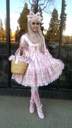 My coord for a high tea party today!  Coord Rundown: -OP: AP Symphonia of Birds -Bag: BTSSB -Accessories: AP -Boots: BTSSB