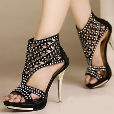 sweet! I want these, just got to find a dress on Pinterest  lol